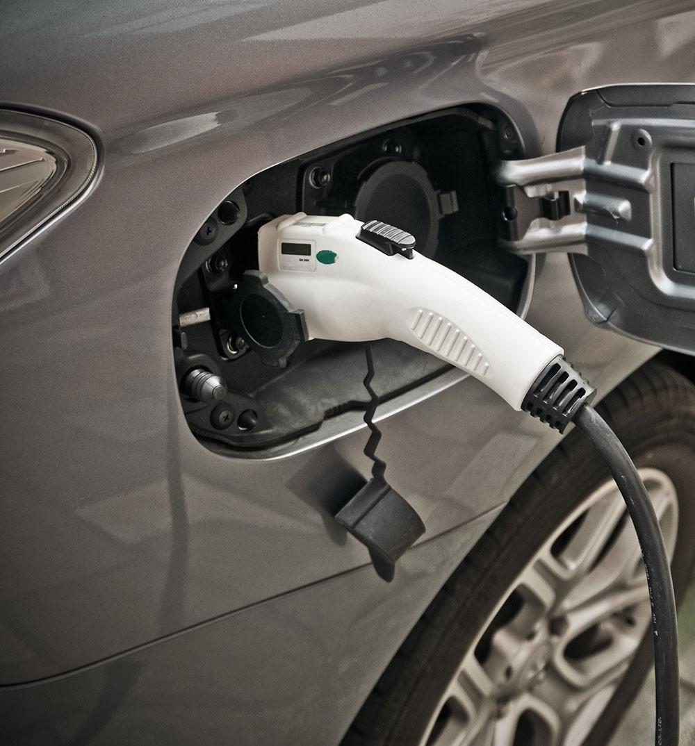 voiture électrique ou voiture à essence
